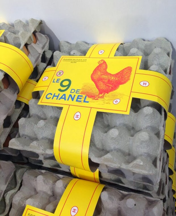 Chanel-shopping-center-automne-hiver-2014-2015-oeufs