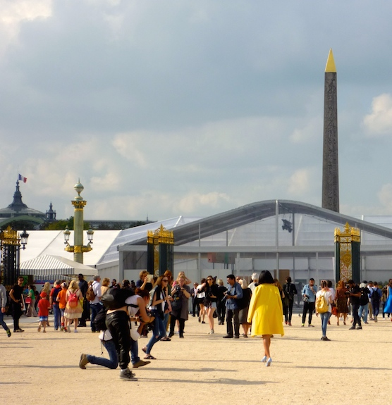 paris-fashion-week-tuileries-valentino-7